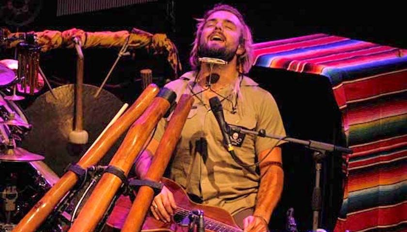 Xavier Rudd Live at the Vic Theatre