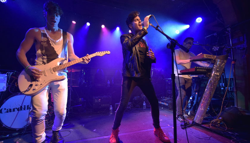 Secret Weapons Live at Schubas