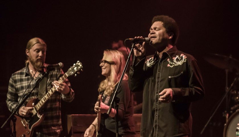 Tedeschi Trucks Band Live at Chicago Theatre