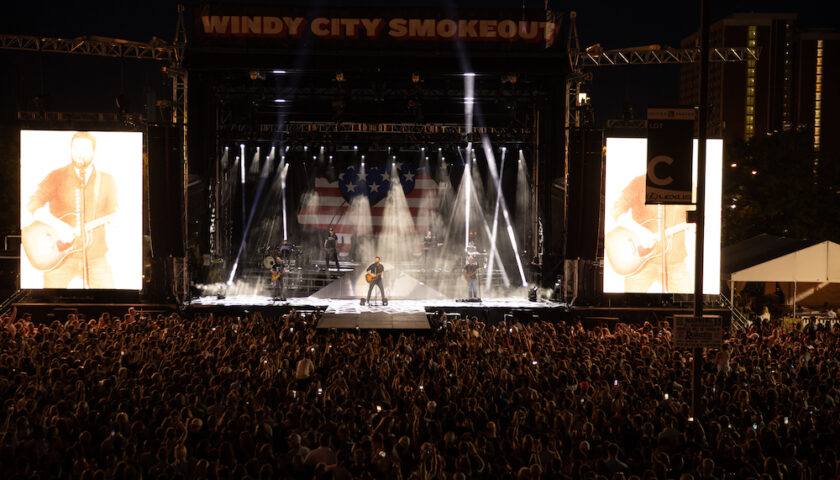 Chris Young at Windy City Smokeout