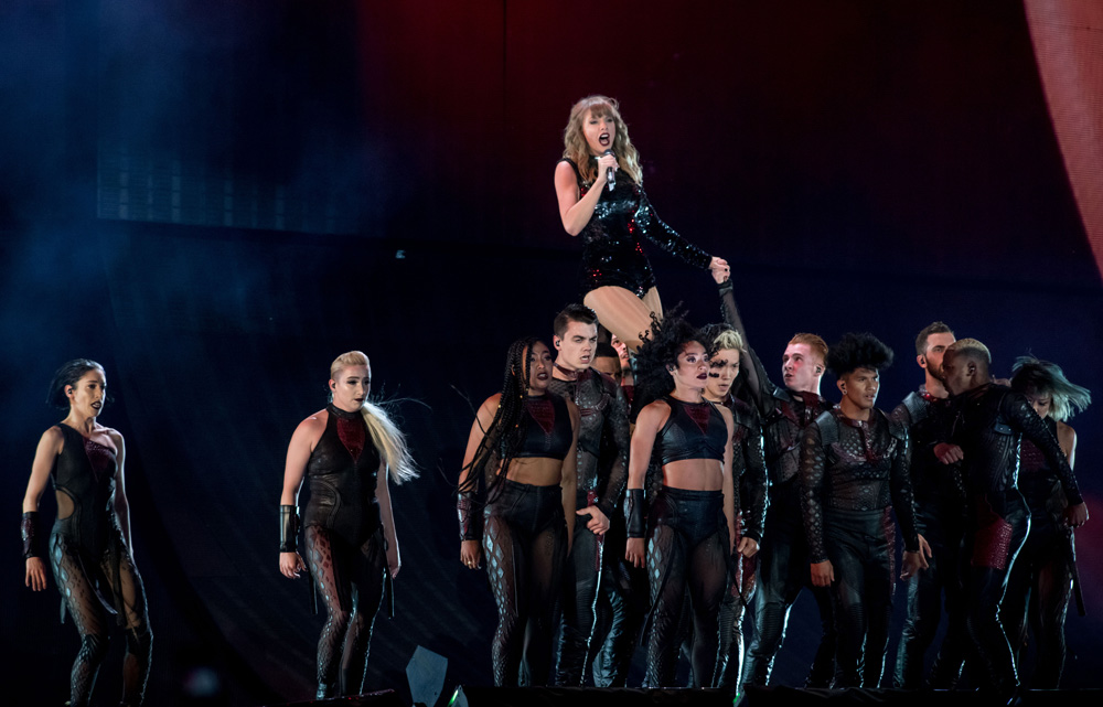 Taylor Swift Live At Soldier Field