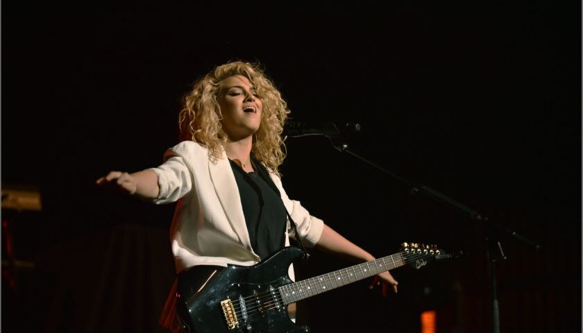 Tori Kelly - Rosemont Theatre - Rosemont, IL - 05/06/16 - Photos © 2016 by: Roman Sobus