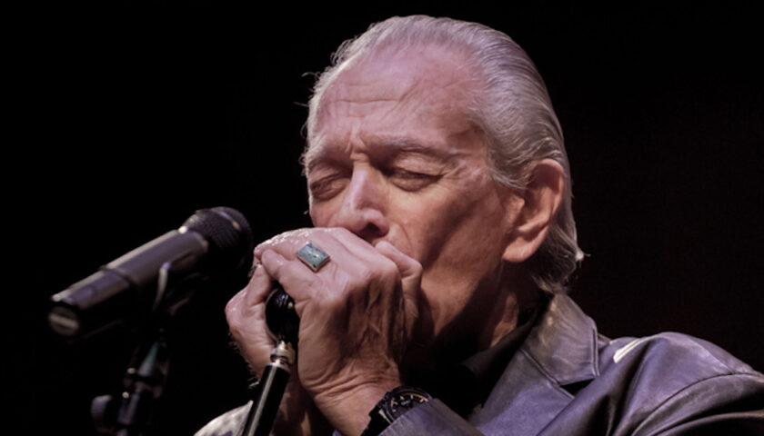 Charlie Musselwhite Live