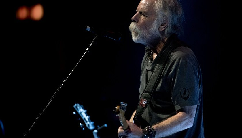 REVIEW – Bob Weir at Chicago Theatre