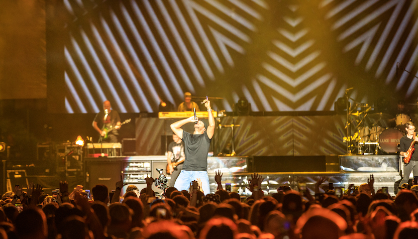 Luke Bryan Live at Lakeshake Festival