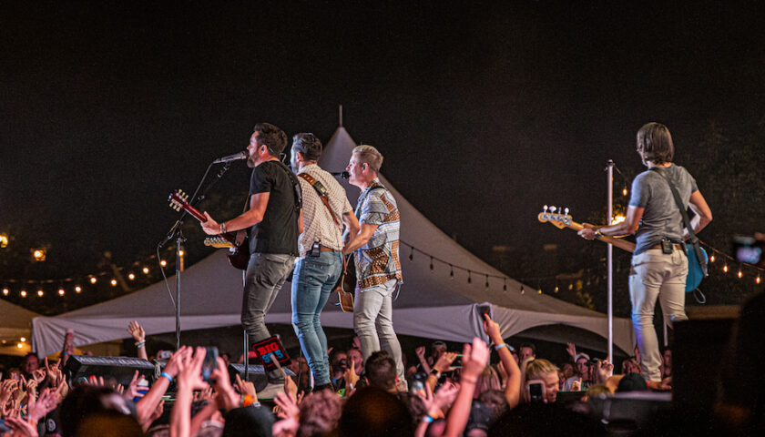 Old Dominion Live at Windy City Smokeout